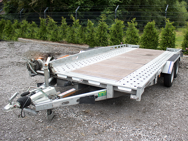 auto trailer maschinenvermietung surray - Start